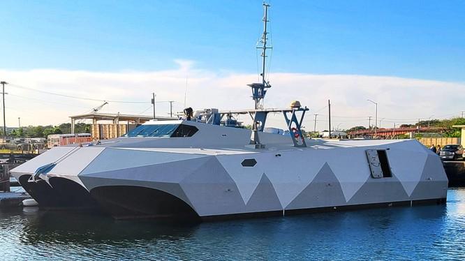 """Tàu cao tốc tàng hình M80 """"Stiletto"""" của Mỹ vừa thử nghiệm thành công hoạt động tác chiến trên biển (Ảnh: Thedrive)."""