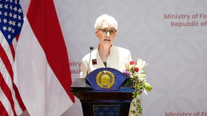 Thứ trưởng thứ nhất Bộ Ngoại giao Mỹ Wendy Sherman sẽ không thăm Trung Quốc theo dự định (Ảnh: Dwnews).