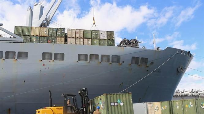 Gần 2 ngàn khẩu súng các loại đã bị mất cắp do sơ hở tại các cảng quân sự (Ảnh: Military).