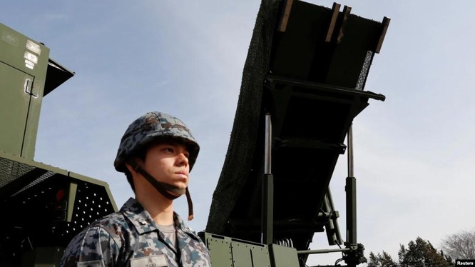 Bộ trưởng Quốc phòng Nhật cho biết có kế hoạch bố trí tên lửa phòng không và chống hạm tại đảo Ishigaki, cách Đài Loan 300km (Ảnh: Reuters).