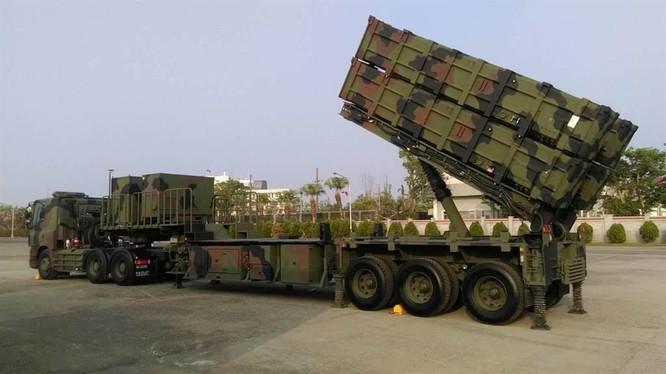 Xe phóng tên lửa của lữ đoàn Hải Phong quân đội Đài Loan (Ảnh: chinatimes).