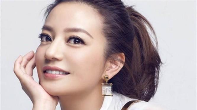 Triệu Vy, nghệ sĩ nổi tiếng Trung Quốc bị đột ngột phong sát 26/8 (Ảnh: Chinatimes).