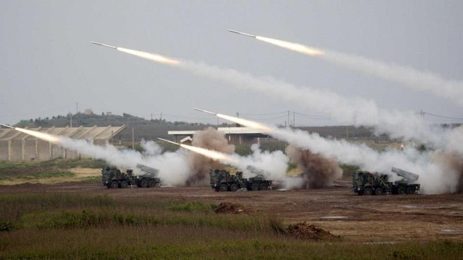 Lực lượng vũ trang Đài Loan tiến hành tập trận Hán Quang chống đổ bộ, bảo vệ đảo (Ảnh: CNA).
