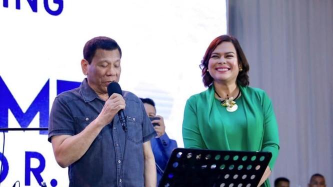 Ông Duterte rút lui khỏi chính trường để con gái kế nhiệm và bảo vệ bản thân không bị ra tòa? (Ảnh: Straitstimes).