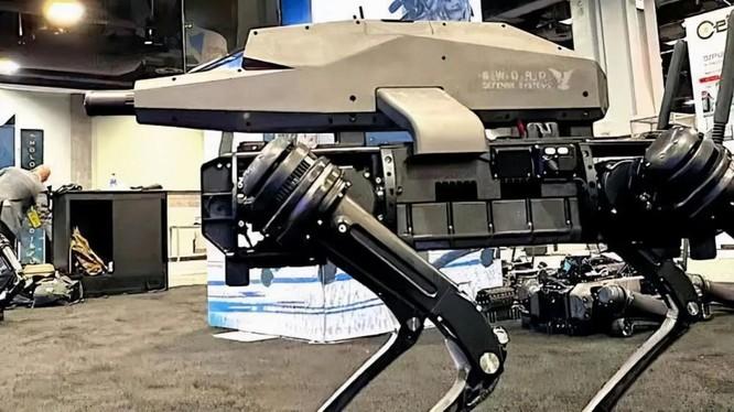 Chó robot mang súng SPUR của Mỹ được giới thiệu tại Triển lãm Lục quân năm nay (Ảnh: TheDrive).