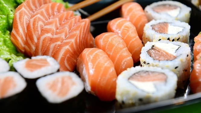 Sushi là món ăn truyền thống nổi tiếng của Nhật Bản. Nguồn: Sushi Sake