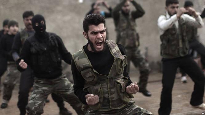 SDF đã phóng thích và thu nạp hàng trăm cựu thành viên IS trong thời gian gần đây. Nguồn: Russian Insiders