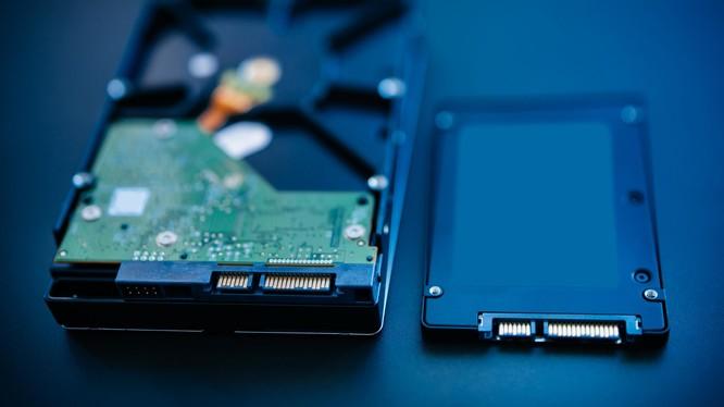 Thay thế HDD bằng SSD là cách tiết kiện để tăng tốc cho máy tính Windows 10. Nguồn: Digital Trends