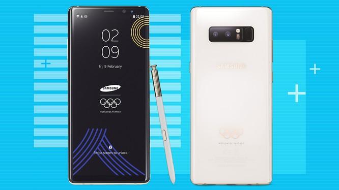 Phiên bản đặc biệt này có nhiều thay đổi về thiết kế và giao diện so với phiên bản thường của Galaxy Note 8. Nguồn: Digital Trends