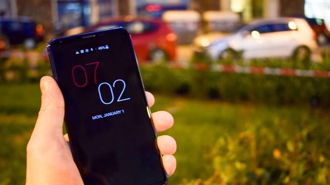 LG V30s ThinQ là bản nâng cấp đáng giá của V30. Nguồn: CNET
