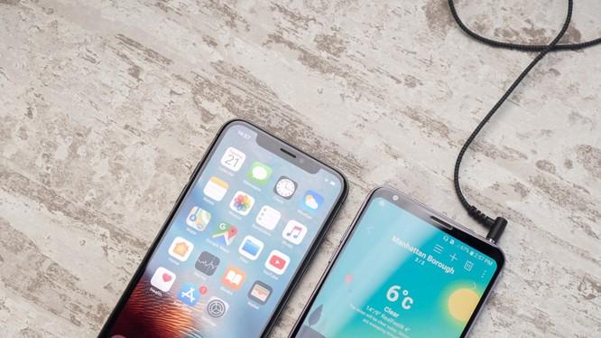 iPhone không còn cổng tai nghe là lý do người dùng chuyển sang Android. Nguồn: PhoneArena