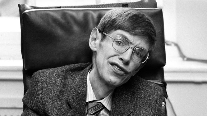 Giáo sư Stephen Hawking là nhà khoa học có tầm ảnh hưởng lớn nhất thế giới. Nguồn: Gizmodo