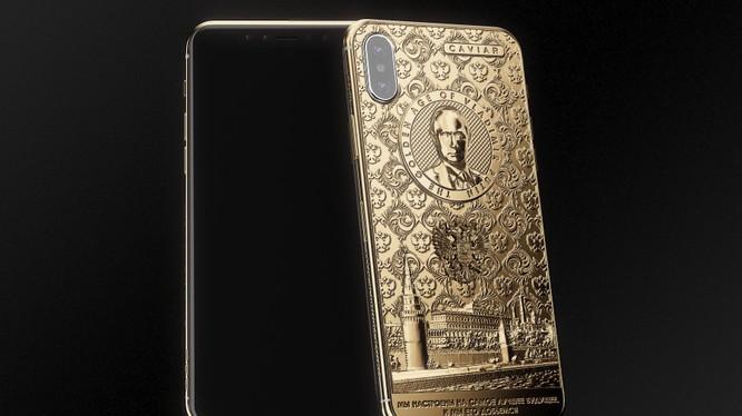 Caviar đã chế tác phiên bản Phone X Putin Golden Age để chức mừng Tổng thống V.Putin tái đắc cử. Nguồn: Caviar