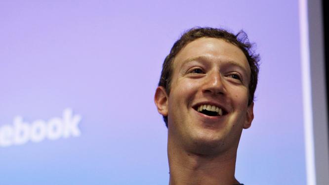 CEO của Facebook, Mark Zuckerberg đa phản pháo Apple và Tim Cook trên kênh phát thanh của trang Vox. Nguồn: FOU