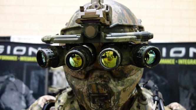 Bộ đồ tác chiến TALOS (Tactical Assault Light Operator Suit) do DARPA công bố năm 2016. Nguồn: DefensiveReview