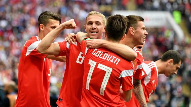 Nga đại thắng Saudi Arabia 5-0 trong trận mở màn World Cup 2018. Ảnh Independent