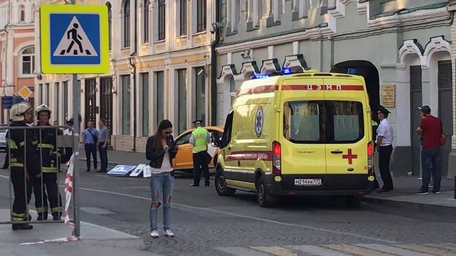 Hiện trường vụ tai nạn tại Moscow, Nga. Ảnh: Reuters