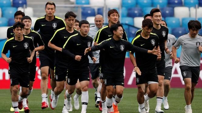 Đội tuyển Hàn Quốc trong một buổi tập. Ảnh: Business Insider