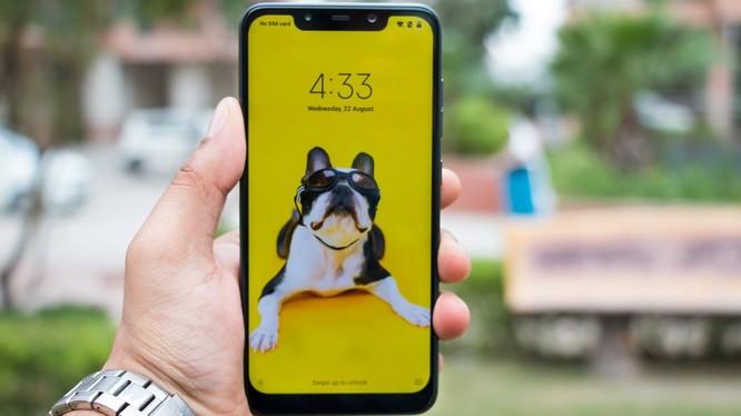 Pocophone F1 là siêu phẩm giá rẻ của Xiaomi với cấu hình mạnh mẽ và giá bán chỉ bằng 1/3 iPhone Xs. Ảnh: Smartpix