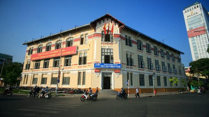 """Trụ sở Công ty cổ phần Vận tải Đường sắt Sài Gòn tọa lạc tại một khu đất """"siêu"""" đẹp: 136 Hàm Nghi - Q.1 - Tp. HCM. (Ảnh: Internet)"""