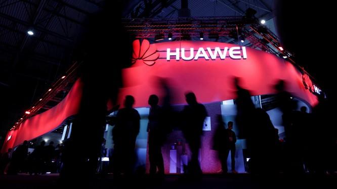 Huawei trở thành mục tiêu chỉ trích của 4 trên 5 quốc gia thuộc liên minh tình báo Five Eyes. Ảnh: FT