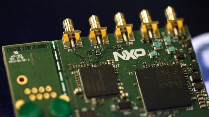 Qualcomm muốn thâu tóm NXP để đa dạng hóa doanh thu trên thị trường chip ô tô. Ảnh: The Australian