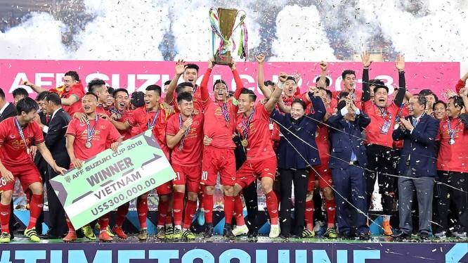 Thắng Malasia 1-0 trên SVĐ Mỹ Đình, tuyển Việt Nam xứng đáng giành chức vô địch AFF Suzuki Cup 2018. Ảnh: AFF Suzuki Cup