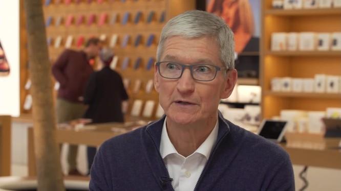 CEO Apple Tim Cook trong buổi phỏng vấn của CNBC. Ảnh: CNBC.