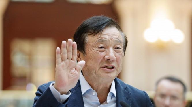 """Nhà sáng lập Huawei, Nhậm Chính Phi: """"Chúng tôi thà đóng cửa Huawei còn hơn làm bất kỳ điều gì tổn hại đến lợi ích của khách hàng để trục lợi riêng"""". Ảnh: Bloomberg."""