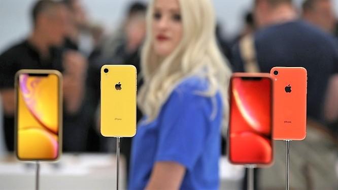 iPhone Xr là mẫu iPhone duy nhất ra mắt trong năm 2018 còn sử dụng màn hình LCD. Ảnh: Business Insider.