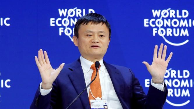 Nhà sáng lập và Chủ tịch điều hành Alibaba Jack Ma phát biểu tại Diễn đàn Kinh tế Thế giới tại Davos. Ảnh: CNBC