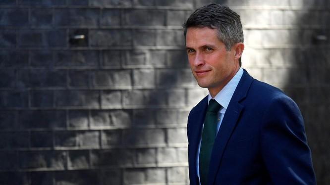 Bộ trưởng Quốc phòng Gavin Williamson vừa bị Thủ tướng Anh Theresa May sa thải vì tiết lộ thông tin liên quan đến Huawei. Ảnh: Reuters