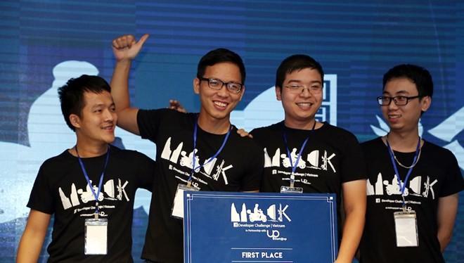 Đội giành chiến thắng tại cuộc thi lập trình do Facebook và UP Co-working Space tổ chức. (Nguồn: BTC)