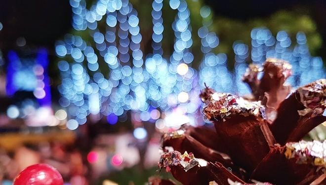 Với Galaxy S7 edge, người dùng không cần đến máy ảnh chuyên nghiệp vẫn có thể tạo ra những bức ảnh ấn tượng trong mùa lễ hội cuối năm chỉ với một nút bấm.