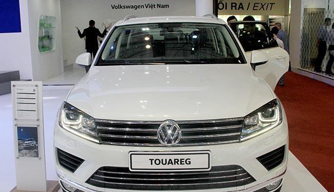 Mẫu SUV Touareg sẽ được giảm giá tới 345 triệu đồng.