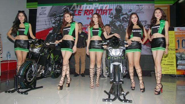 Lễ ra mắt tưng bừng của cặp đôi Kawasaki Z900 và Z650 2017