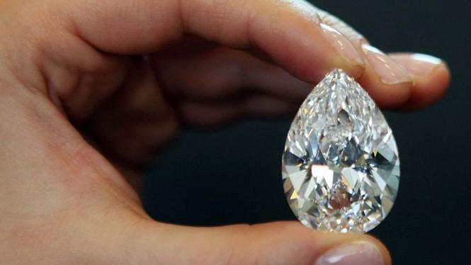 Trong tương lai sẽ xuất hiện những mẫu smartphone sử dụng màn hình bằng kim cương ẢNH: AFP