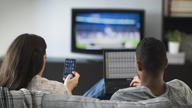 Nhiều Smart TV hiện nay đi kèm chức năng theo dõi hành vi người dùng
