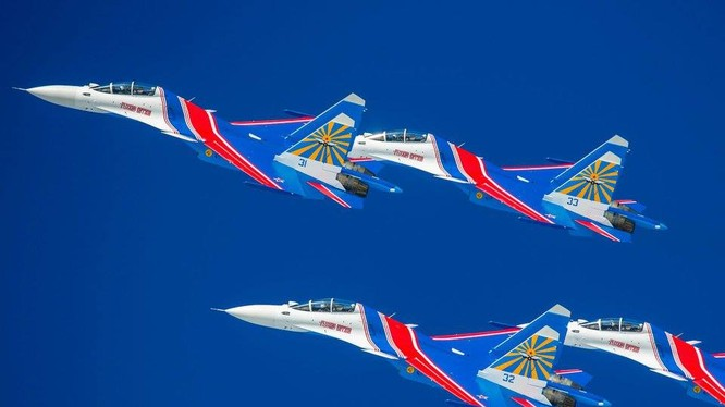 Phi đội Tráng sĩ Nga
