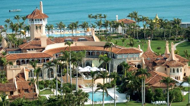 Dinh cơ Mar-a -Lago của Trump tại Palm Beach, Florida