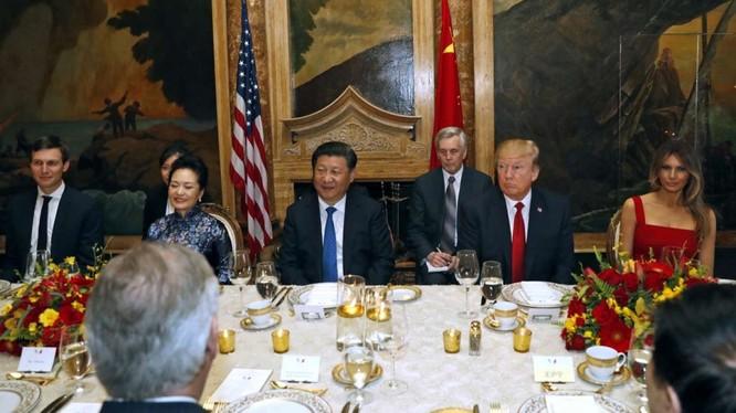 Tổng thống Donald Trunp và Chủ tịch Tập Cận Bình dự tiệc