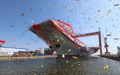 Tàu sân bay tự chế đầu tiên của Trung Quốc đã được hạ thủy