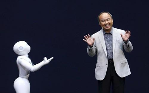 Masayoshi Son hiện là người giàu nhất Nhật Bản - Ảnh: Bloomberg.