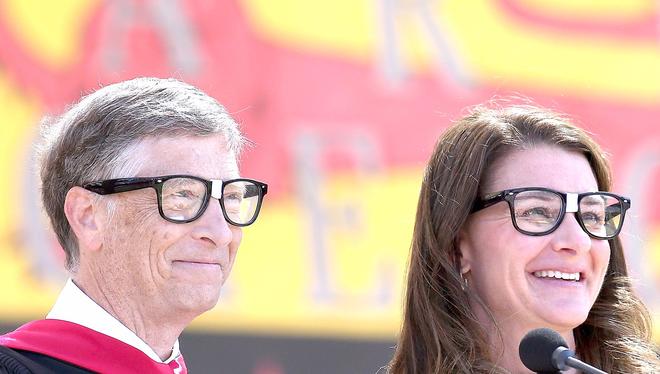 Nhà sáng lập Microsoft Bill Gates và vợ