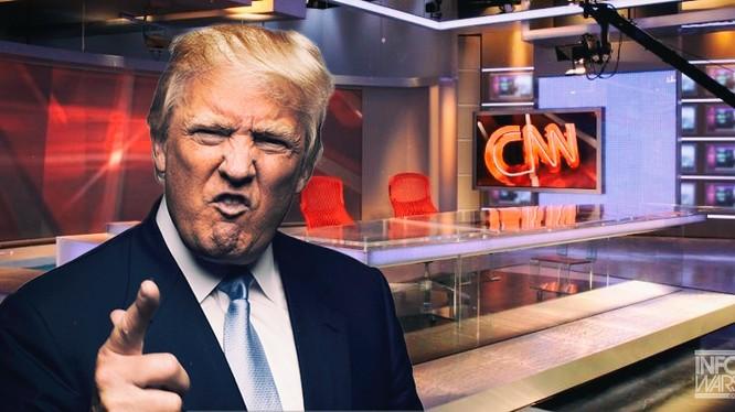 Quan hệ giữa Tổng thống Trump và CNN không xuôi chiều mát mái