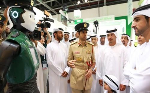 Robocop ra mắt tại Dubai ngày 22/5 - Ảnh: Entrepreneur.
