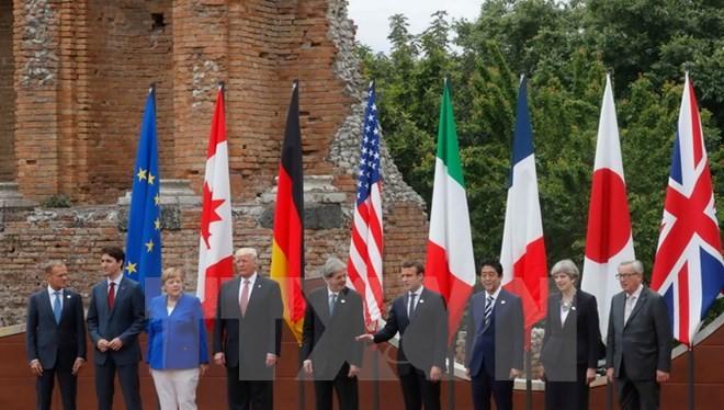 Nguyên thủ các nước chụp ảnh chung tại hội nghị. (Nguồn: AFP/TTXVN)