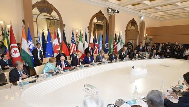 Toàn cảnh Hội nghị thượng đỉnh các nước G7 và lãnh đạo 5 nước châu Phi ở Taormina, ngày 27/5. (Nguồn: EPA/TTXVN)
