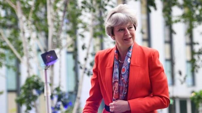 Bà May được cho là sẽ chiến thắng thuyết phục trong cuộc bầu cử vào 8/6 tới.