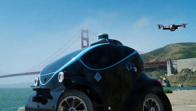 """Robot ô-tô O-R3 và """"đồng sự"""" biết bay"""
